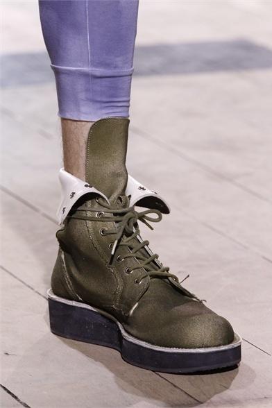 Yohji Yamamoto does men a favour with flatforms!
