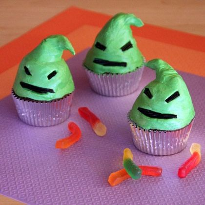 Oogie Boogie Cupcakes - cute and not all that difficult