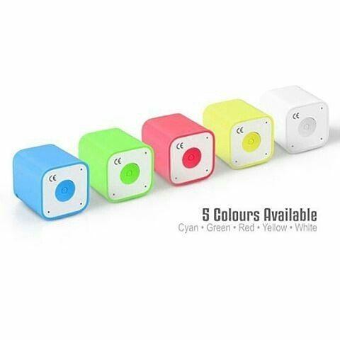 New Arrival  Bluetooth Speaker Smart-Box Pecinta musik dan Selfie HARUS PUNYA Speaker mungil ini!! Function: 1. Speaker Bluetooth Menghubungkan musik dari gadget kesayangan kamu. Suara jernih!  2. Photo Shutter ( tomsis ) Kamu membantu kamu saat selfie dimanapun dan kapanpun!! 3. Phone Call Kamu bisa melakukan panggilan telepon dengan menggunakan speaker mungil ini.  4. Anti-Lost / Phone Fitur alarm yang akan berbunyi jika gadget dijauhkan dengan jarak >10 meter dari speaker.  Size: 2.6 x…