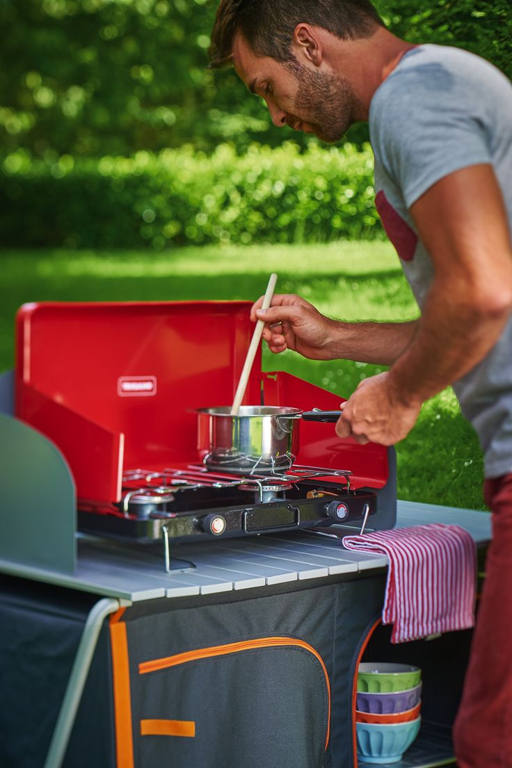 Meuble de cuisine et réchaud pour le camping. Trigano fabricant de matériel de camping depuis 80 ans. La qualité au meilleur prix. découvrez tous nos produits sur notre site Triganostore.