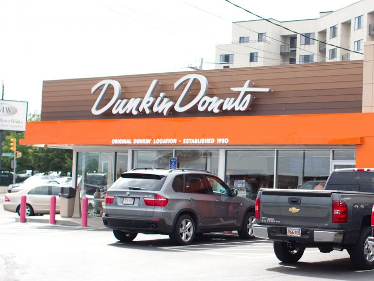 The original Dunkin' Donuts was founded in Quincy, Massachusetts in 1950 .