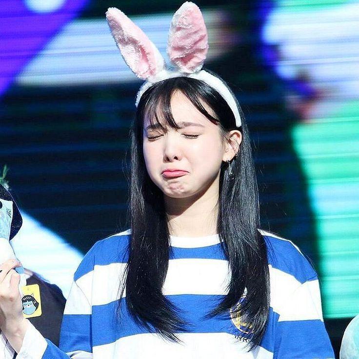 ekspresi cwek luu saat mau malam minggu malah hujan..yang jones mah alhamdulillah  . . . . . . #nayeon #twice #once #sana #jihyo #mina #jeongyeon #chaeyoung #tyuzu #momo #dahyun #jypent #jypnation #kpop #music #korean #ontheroad #instago #instagood #instadaily #photooftheday #like4follow #likeforfolllow #likeforlike #instapic #instagram #latepost #picoftheday