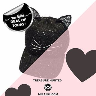 MJAU. How cute is this spellbinding and bewitching kitty cat headgear? Enjoy this purr-made animal style snapback cap with cute ears and whiskers. Treasure hunt