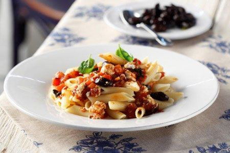 «Αραμπιάτα» με φέτα, κεφαλοτύρι και μπούκοβο - Γρήγορες Συνταγές | γαστρονόμος online