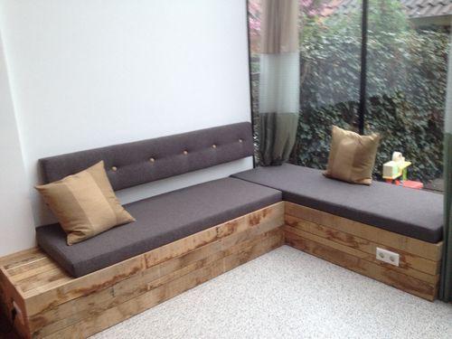 Maatwerk meubels maken is ons vak. Decosier is gespecialiseerd in meubels op maat. Inbouwkasten, audiokasten, boekenkasten, tafels, radiatorbekledingen, binnenluiken, wandplanken maken wij volledig naar uw wens. Dit kan in massief hout, plaatmateriaal en bijv. MDF.