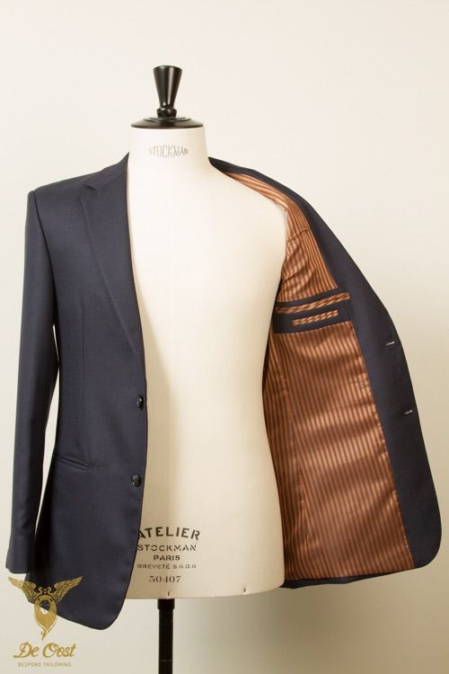 Blue birdseye durable hardwearing suit witch notched lapels. Bespoke tailored with 100 percent worsted suiting fabric from the InterCity collection by Holland & Sherry. 370 gram, 12 oz.  #bespoke #tailoring - www.deoost.nl