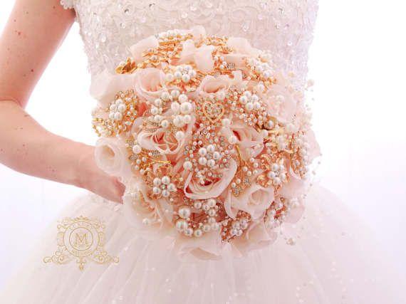 Ramo de lujo seda flores broche de oro rosa, rubor rosa, perlas. Color de rosa y oro con piedras preciosas ramo única alternativa memoria boda de cristal