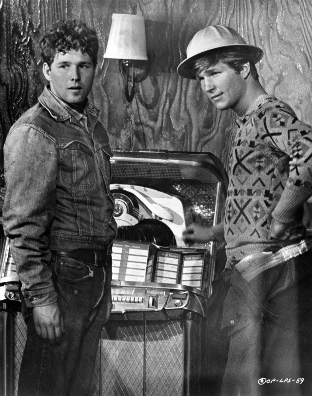 Jeff Bridges and Timothy Bottoms in The Last Picture Show (1971)
