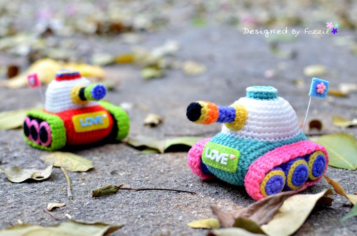 Guerilla Knitting Patterns : 164 best too cute images on Pinterest Bead patterns, Cross stitching and Cr...