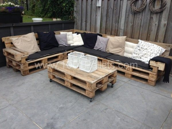 Lounge set with europallets | 1001 Pallets