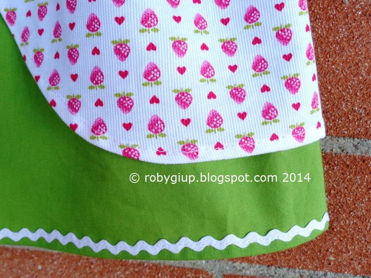 Gonna con fragoline, un dettaglio - Strawberry skirt, a detail #sewing #girl #clothing