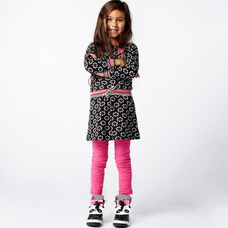 mim 225 Black and white floral dress with smileyA cute mim-pi long sleeved dress…