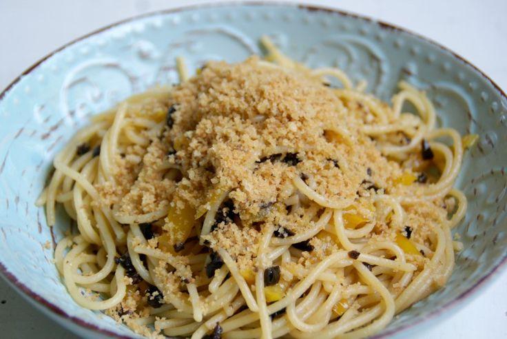 Spaghetti ai peperoni. Ricetta qui: https://www.facebook.com/cucinaveganadallantipastoaldolce/photos/a.100617153738179.1073741828.100487060417855/124350924698135/?type=3&theater