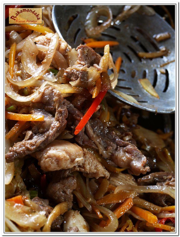 Restaurante Rakamandaka Villa de Leyva El mejor restaurante de Villa de Leyva en comida fusión asiática con toda una década de dedicación y experiencia. Cr 9 No 13 55 int 20 fb.com/Rakamandakavilladeleyva @rakamandaka1 320 3396629