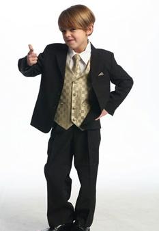 Eine Augenweite ist auch unser Anzug Miguel. Der Anzug selbst ist immer schwarz - das Westenset darunter gibt es in 8 Farben.    http://www.julias-traumboutique.com/Miguel-5-teiliger-Anzug-Gr-62-bis-188-8-Farbkombinationen