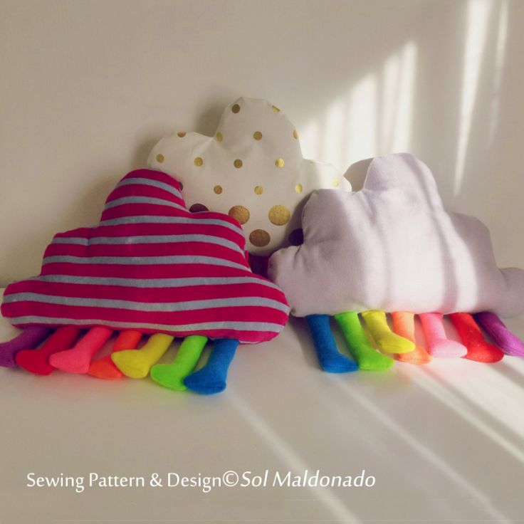FREE Cloud felt tutorial & template toy or pillow  kawaii plushie