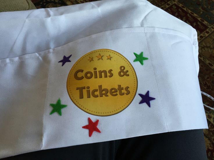 Waist apron ($1.50 at restaurant supply!) with iron on coin and felt stars for little ones to hold their Chuck E. Cheese coins and tickets! Birthday party favor
