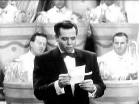 Desi Arnaz remembers Lucille Ball this is wonderful Desi talks about how it all began:-)