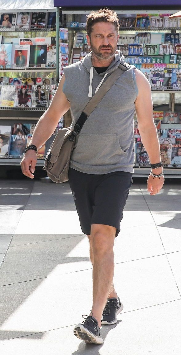 VJBrendan.com: Out & About: Gerard Butler in West Hollywood