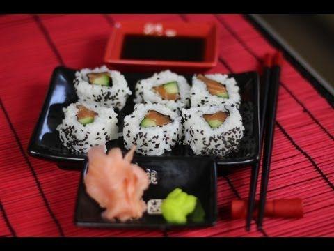 sushi uramaki z łososiem - YouTube