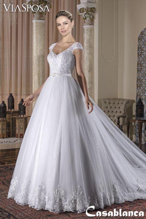 898435007 Vestido de noiva Via Sposa Coleção Casablanca 22 / Vestido rodado, decote  princesa, tela de paetê sobreposta por tule com barrado, corpo com  aplicações de ...