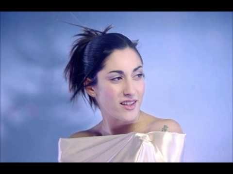 Victoria Petrosillo - L'oiseau - 1999