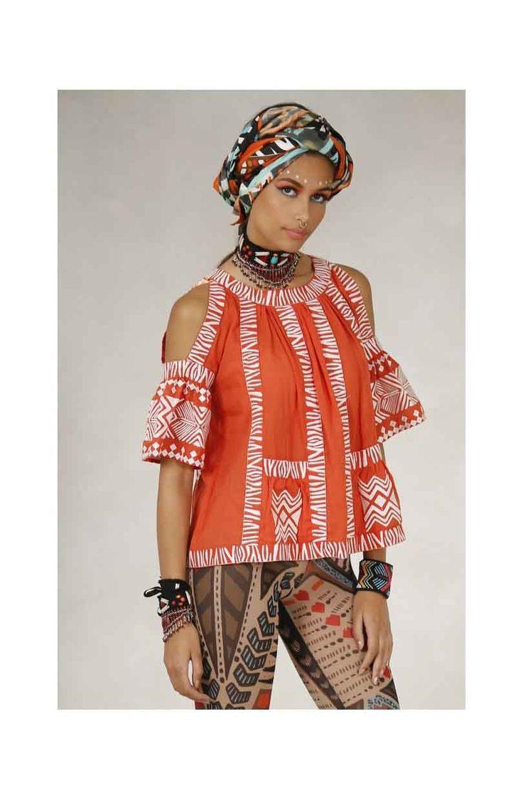 ¡#Top #bordado de #HighlyPreppy para #vestir a la #moda! Consulta tu #talla en nuestra #tienda #online