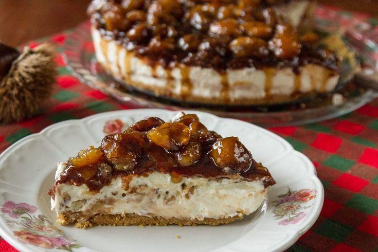 Μία ιδιαίτερη συνταγή για cheesecake με γλάσο που έχει ολόκληρα κομμάτια κάστανο! Υπέροχο γλυκό με το οποίο θα εντυπωσιάσετε!