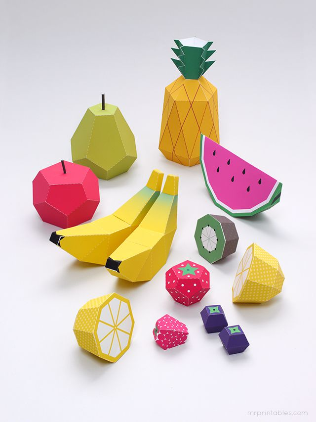 Frutos em cartão para montar.  Para imprimir : Moranfo, limao e ... em http://pdf.mrprintables.com/mrprintables-fruit-templates-strawberry.pdf Maçã e pêra em http://pdf.mrprintables.com/mrprintables-fruit-templates-apple-pear.pdf Banana, ananás, kiwi, melancia... em http://pdf.mrprintables.com/mrprintables-fruit-templates-pineapple.pdf Tutorial em: http://www.mrprintables.com/play-fruit-templates.html Play Fruit Templates