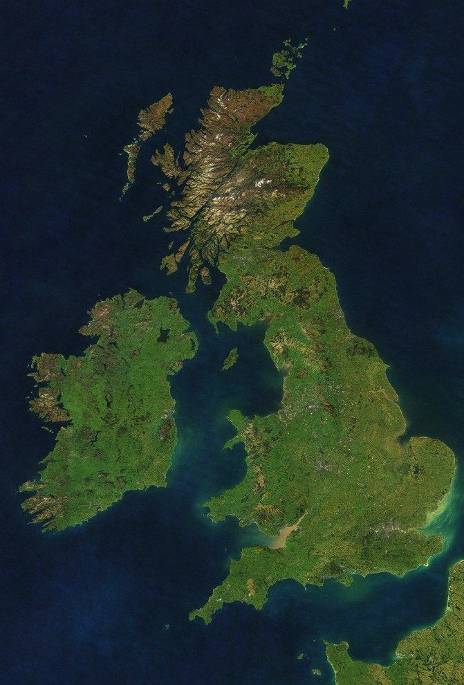 And finally, this incredible and never-before-seen map, made up of various satellite images, which shows the British Isles with NO CLOUDS.