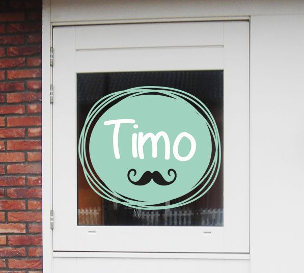 Geboortesticker full colour met snorretje type Timo www.geboortestickercompany.nl