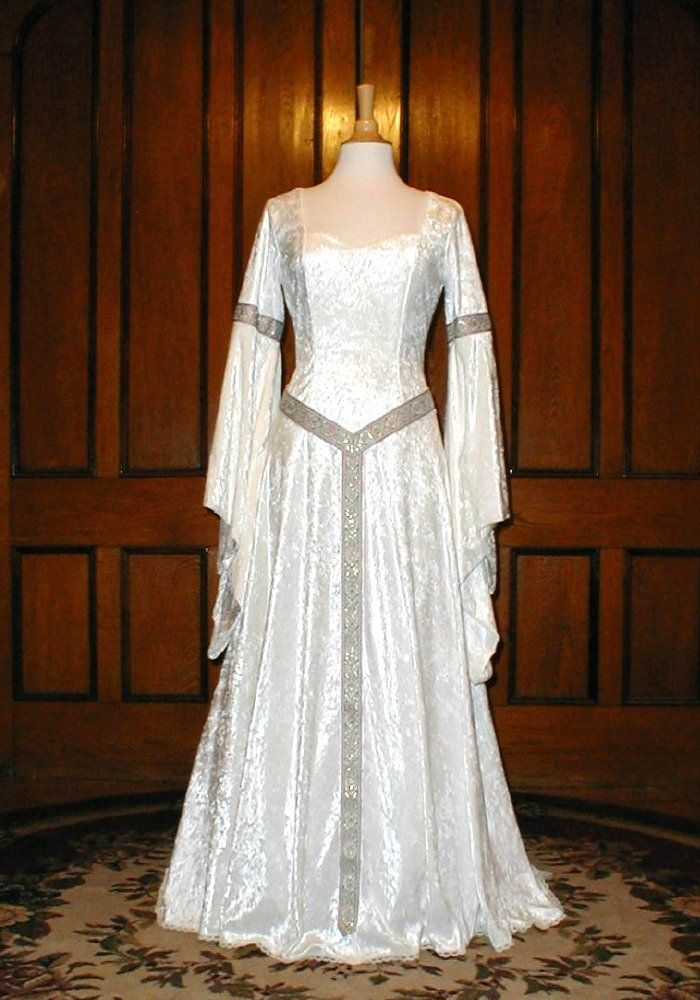 51 best medieval dresses images on pinterest medieval for Celtic pagan wedding dresses