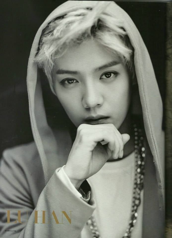 <3 Luhan is very manly on this pic