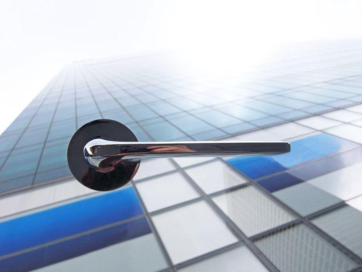 'roboquattro' by german designer alexander hoffart for colombo design