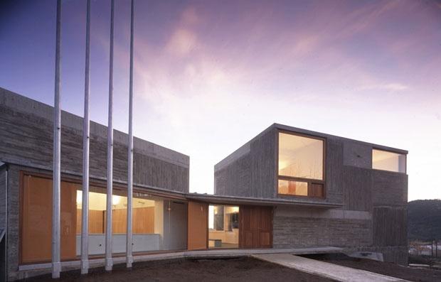 Arquitectos españoles Paredes Pedrosa construyó la nueva sede del Ayuntamiento de Valdemaqueda. ¿No es espectacular?