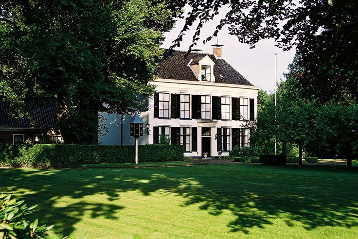 Westrup was een havezate in de Drentse plaats Dwingeloo in het Dieverderdingspel. Westrup kreeg in 1740 de status van havezate. Cornelis van Dongen tot de Oldengaerde had op 18 maart 1740 de havezate Westrup in Westdorp dichtbij Borger gekocht. Hij verzocht de Drentse landdag om het recht van havezate te verleggen op het door hem gekochte huis in Dwingeloo. Nadat dit werd goedgekeurd verhuisde de naam Westrup mee naar Dwingeloo. Vanaf 1740 stond het huis bekend onder de naam Westrup of…
