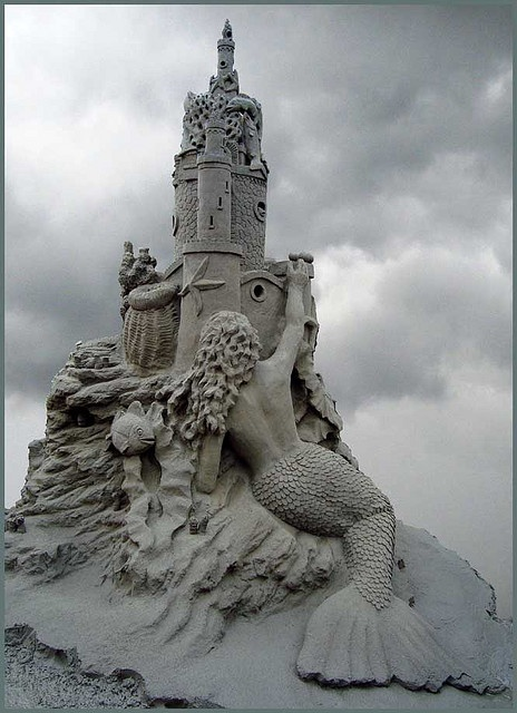 ....mermaid kingdom...awesome sand sculpture!