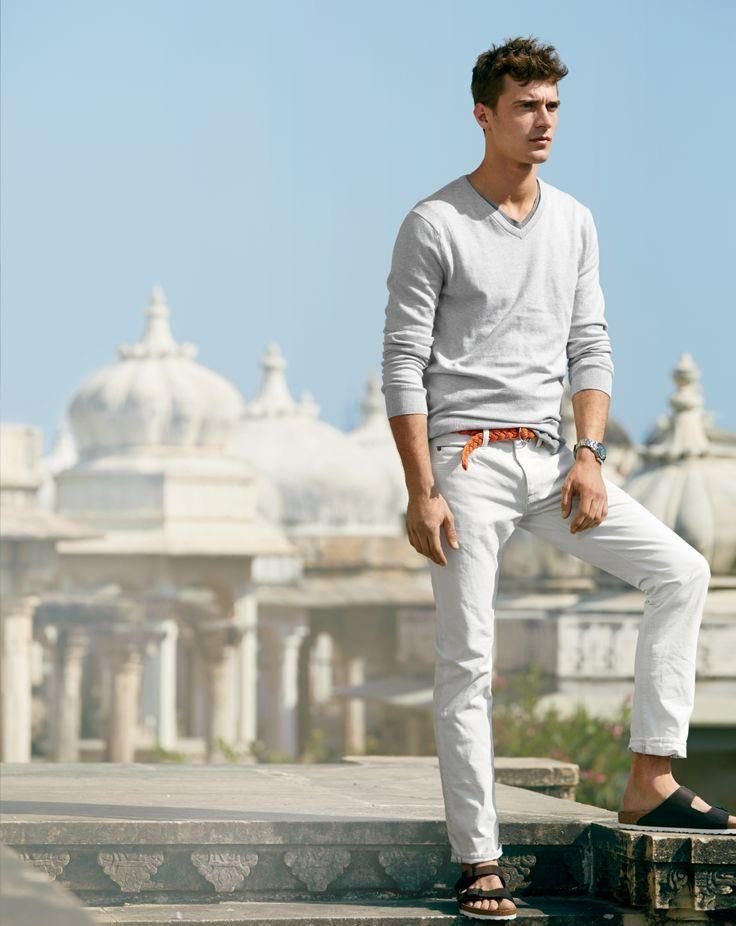 editorial: J.Crew Style Guide | White chinos are timeless, they are good in summer and winter. Must-have!