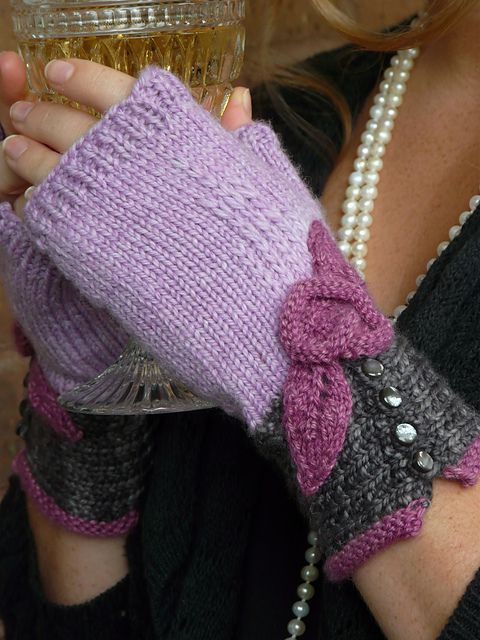 Ravelry: Coco Fingerless Mitts pattern by Julie Turjoman