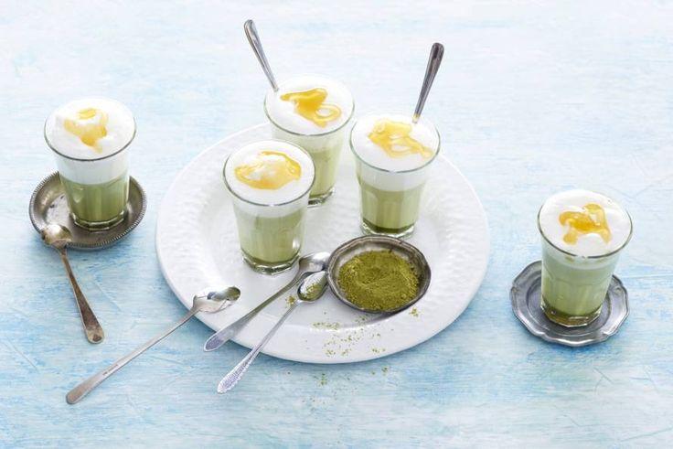 Een latte met matcha, Japanse groene thee. Dit wil je proeven! - Recept - Allerhande