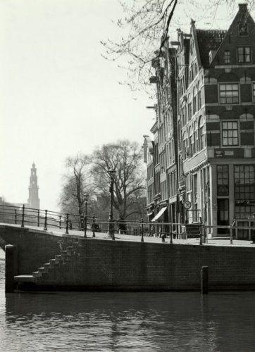 Prinsengracht met Westertoren. Amsterdam, [jaren 1949-1949].