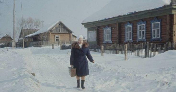 Медицинское обслуживание в Советском Союзе было бесплатным. Гражданам для получения медицинского образования не требовалось никаких медицинских полисов. Квалифицированную помощь в любой точке огромной советской страны можно было получить, предъявив паспорт. Советские врачи получали прекрасное образование (причём тоже совершенно бесплатно), а придя в профессию, им были гарантированы твёрдые оклады независимо от того, сколько пациентов в день они принимали. Возможно, именно поэтому советская…