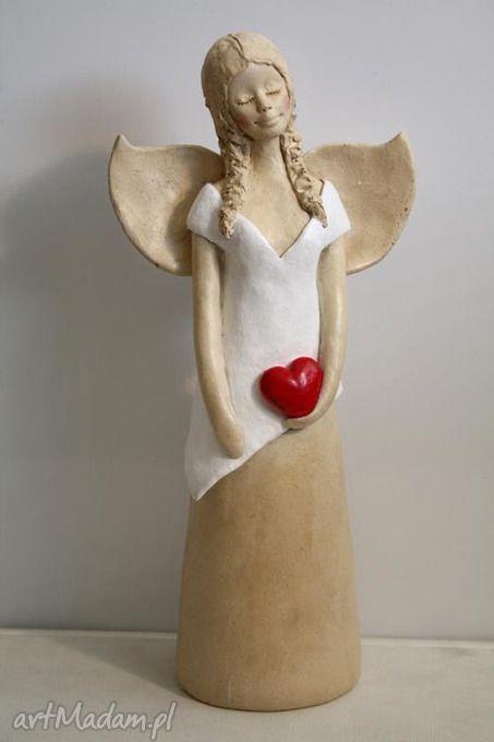 Anioł sercem ceramika wylegarnia pomyslow aniołek anielica