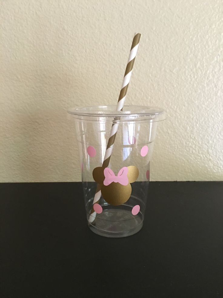 Minnie Mouse pink and gold party cups by DivineGlitters on Etsy https://www.etsy.com/listing/258141725/minnie-mouse-pink-and-gold-party-cups