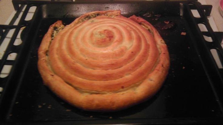 Пирог-улитка со шпинатом и рикоттой