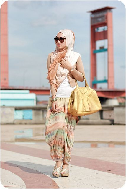 hijab / Arab fashion. Muslim / muslimah / ladies / women / styles fashion / fashionista. Love!