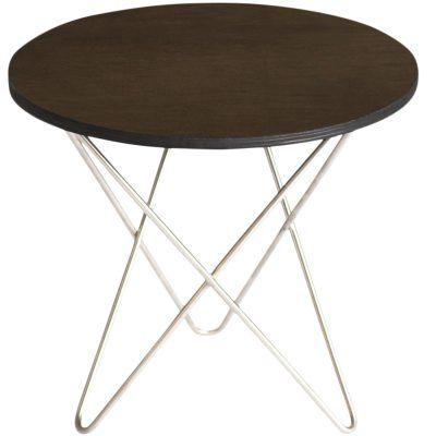 Mini O bord fra OX Design. O bord er et elegant lavere bord laget av naturmaterialer. Har en ramme i...