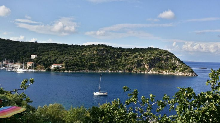 The municipality of Ithaki belongs administratively to the region of the Ionian Islands, and consists of the community of Vathi and seven districts.