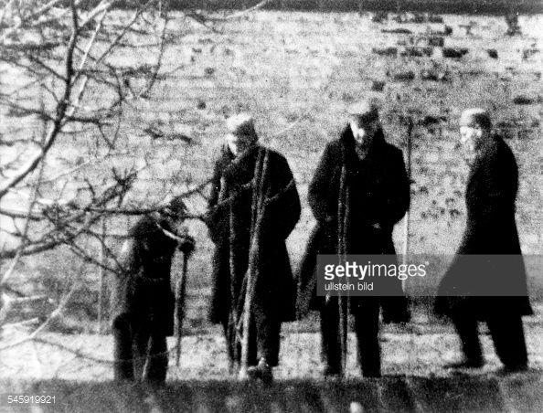 Erich Raeder, Rudolf Hess, Karl Dönitz und Baldur von Schirach-in captivity in 1950
