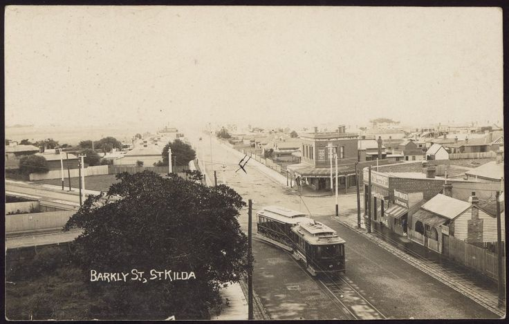 Barkly Street, St Kilda, with cable tram, circa 1900. Photograph from State Library Victoria.